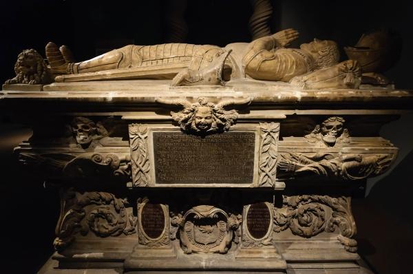 Le tombeau de Michel de Montaigne au Musée d'Aquitaine, à Bordeaux