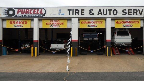 Une visite dans un atelier de réparation de pneus