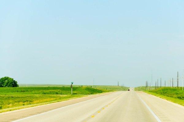 Kansas - la route qui se fond dans l'horizon